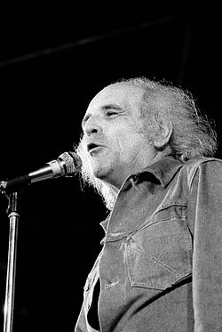 Léo Ferré at the Fest of Unified Socialist Party, Colombes (France), 1973