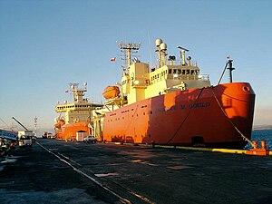 RV Laurence M. Gould - Image: LM Gat Punta Arenas