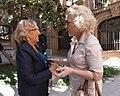 La alcaldesa recibe a diplomáticos y organizadores de 'Mujeres Nobel' (05).jpg