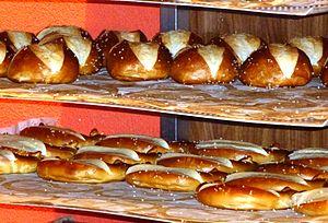 Lye roll - Lye roll and pretzels immediately after baking