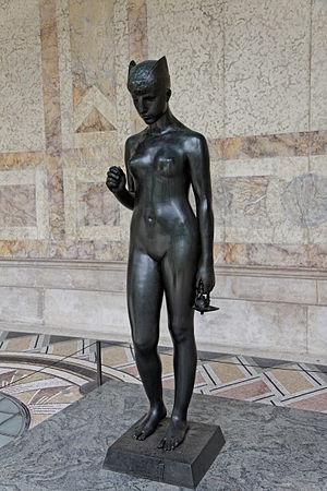Hélène Bertaux - Psyché sous l'empire du mystère, now at the Petit Palais.
