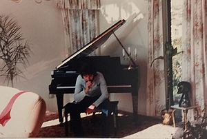 Leigh Ashton - Image: Leigh at Piano