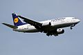 Lufthansa B737-300 D-ABEF (3644303724).jpg