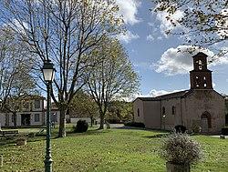 Mérenvielle - Mairie et église.jpg