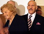 Mae Young Bruno Sammartino PWHOF 2012 (cropped).jpg