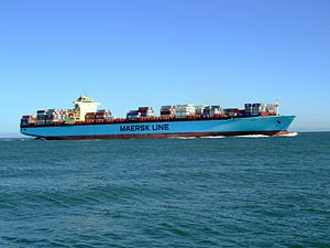 Maersk Sofia p09 approaching Port of Rotterdam, Holland 04-Aug-2007.jpg