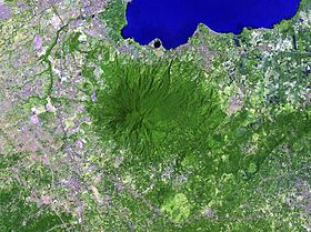 Vue satellite du mont Makiling.