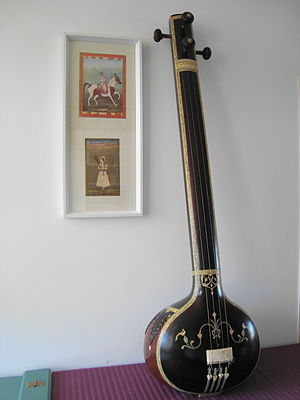 Tanpura - A male pitched tanpura