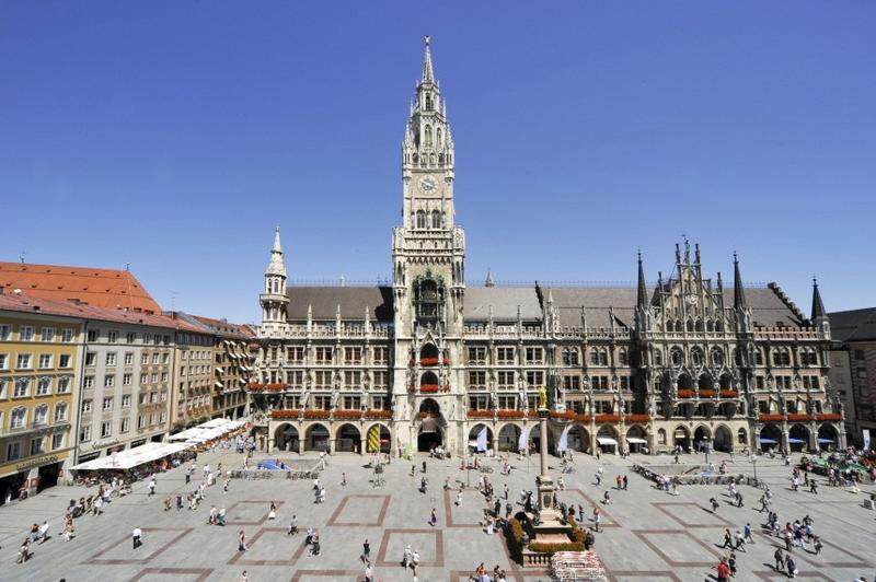 File:Marienplatz Munich.jpn.png