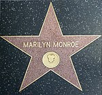Marilyn Monroe Star (15706815112).jpg