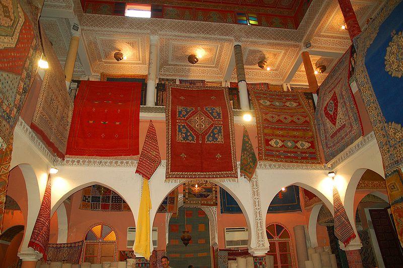 File:Maroc Marrakech Souk Luc Viatour 1.jpg