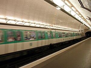 Chemin Vert (Paris Métro) - Image: Metro de Paris Ligne 8 Chemin Vert 02