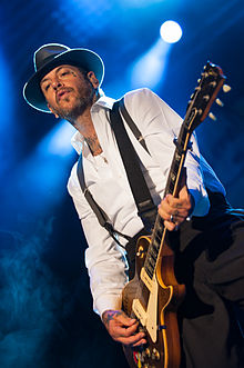 Mike Ness v roce 2012