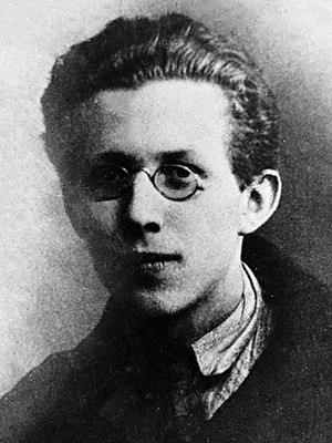 Mikhail Rusinov 1928.jpg