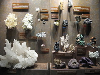 Bruce Museum of Arts and Science - Mineral crystals
