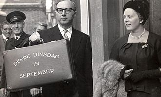 Jelle Zijlstra - Jelle Zijlstra as Minister of Finance and his wife Hetty Bloksma during Prinsjesdag in 1961.
