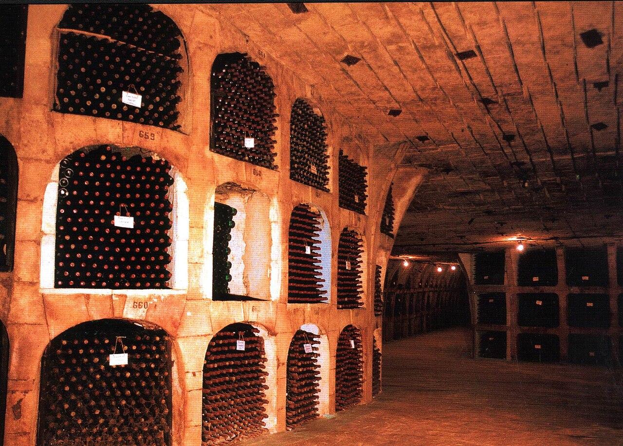 Largest Wine Cellar : File moldova biggest wine cellars g wikimedia commons