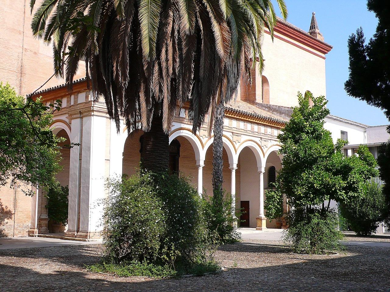 Monasterio de San Clemente. Pórtico.jpg