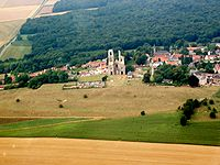 Mont-Saint-Eloi-Aerien-Abbaye.jpg