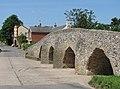 Moulton, Packhorse Bridge and The King's Head - geograph.org.uk - 1408614.jpg