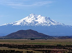 Mount Shasta from I-5.jpg