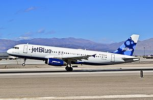 "N656JB JetBlue Airways 2007 Airbus A320-232 C-N 3091 ""California Blue"" (12921755004).jpg"
