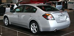 NISSAN ALTIMA 3.5 SE rear.jpg