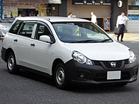 Nissan NV150 AD VE (DBF-VY12) front.jpg