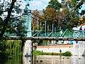OPOLE most dla pieszych na kanale Młynówka,widok z brzegu. sienio.JPG