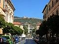 Obelisco di piazza degli eroi e castellaro.jpg