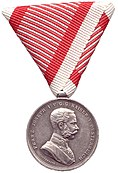 Obverse of the Silver Medal For Bravery (Austria-Hungary) during the reign of Franz Joseph I.jpg