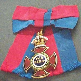 Order of Merit - Badge and ribbon bow of the order