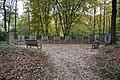 Overzicht van de 'Bergrede' bij de begraafplaats- 11 in een halve cirkel geplaatste reliëfs waarop zaligsprekingen - Heilig Land-stichting - 20531485 - RCE.jpg