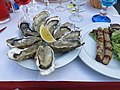 Oysters and sausages (Arcachon).jpg