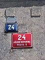 Přední Kopanina 24, číslo popisné a Rolnická vzájemná pojišťovna.jpg