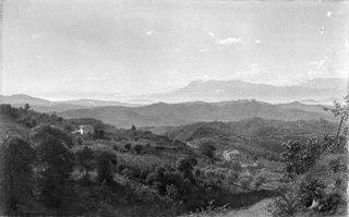 Udsigt over Sacco-dalen sydøst for Olevano. I baggrunden Volsci-bjergene