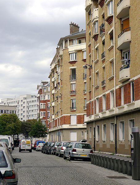 Fichier:P1130447 Paris XVIII rue Arthur-Ranc rwk.JPG