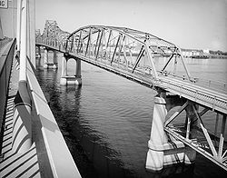 Pasco-Kennewick Bridge from Ed Hendler Bridge.jpg
