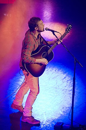 Phillip Phillips - Phillips performing in 2014
