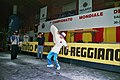 Pizza acrobatica ruota verticale pizzaioli acrobatici campione mondiale.jpg
