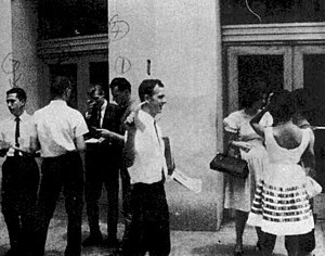 "Lee Harvey Oswald and others handing out ""..."