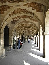 Arcadas en la Place des Vosges.