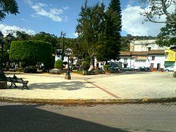 Plaza huaniqueo.jpg