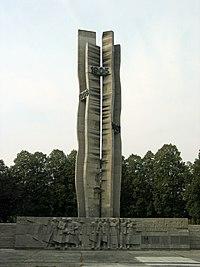 Pomnik Czynu Rewolucyjnego Lodz 1.jpg