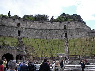 Pompeii theatre 2.jpg