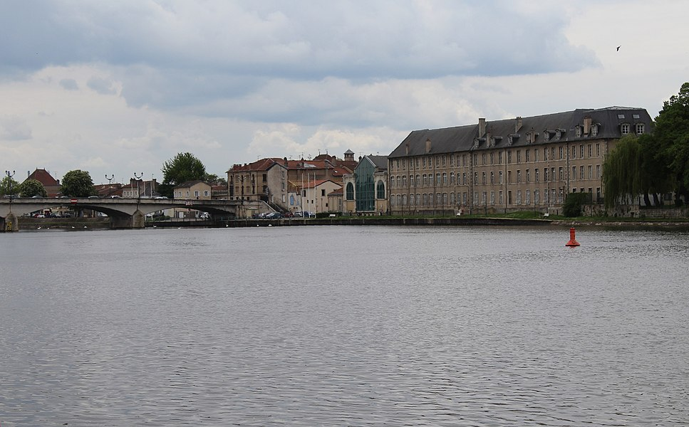 Pont-à-Mousson, view across the Moselle to a store house