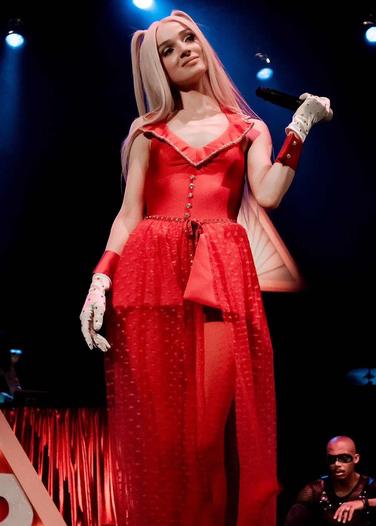 poppy  entertainer