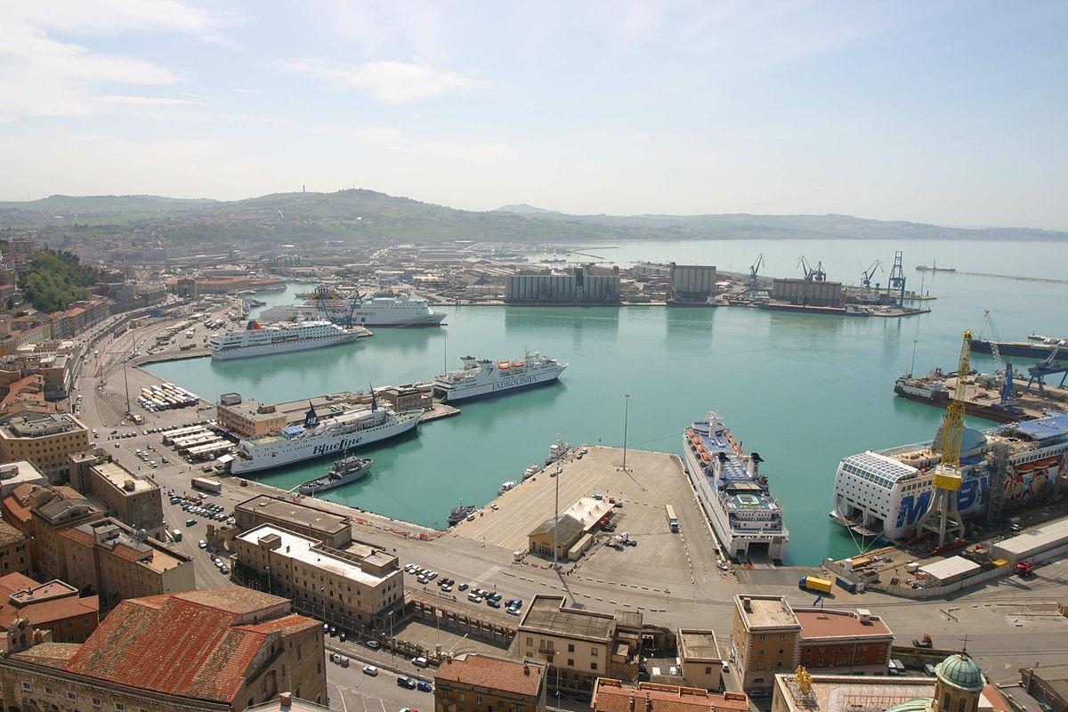 Risultati immagini per immagine di porti
