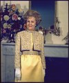 Portrait of Mrs. Nixon - NARA - 194324.tif