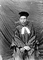 Portret van een Batakse predikant van de Rijnsche Zending, Reside... - Collectie stichting Nationaal Museum van Wereldculturen - TM-10000622.jpg